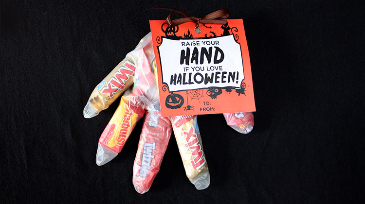 Halloween Hand Treat Bags {Free Printable}